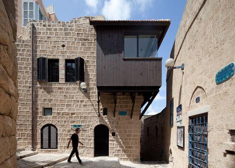 dezeen_Jaffa-House-by-Pitsou-Kedem_18
